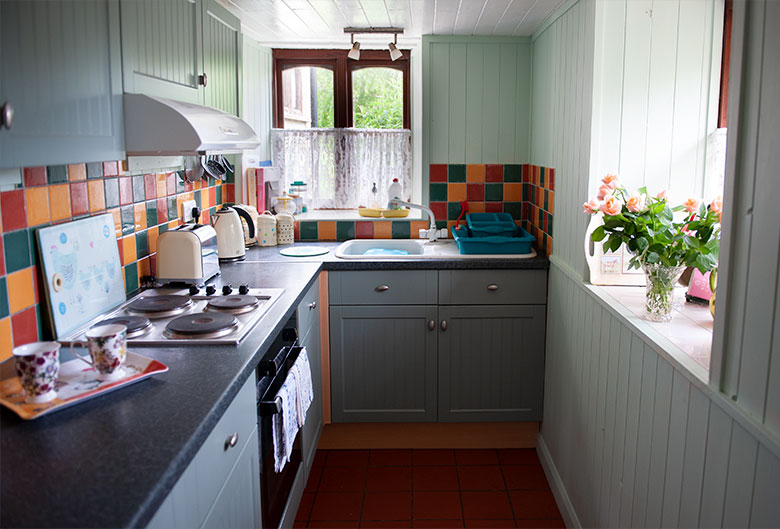 Lydensign cottage kitchen